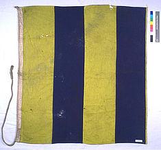 Endzustand der Flagge nach der Reinigung und Glättung