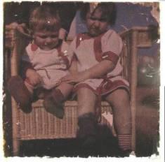 Foto mit zwei Kleinkindern